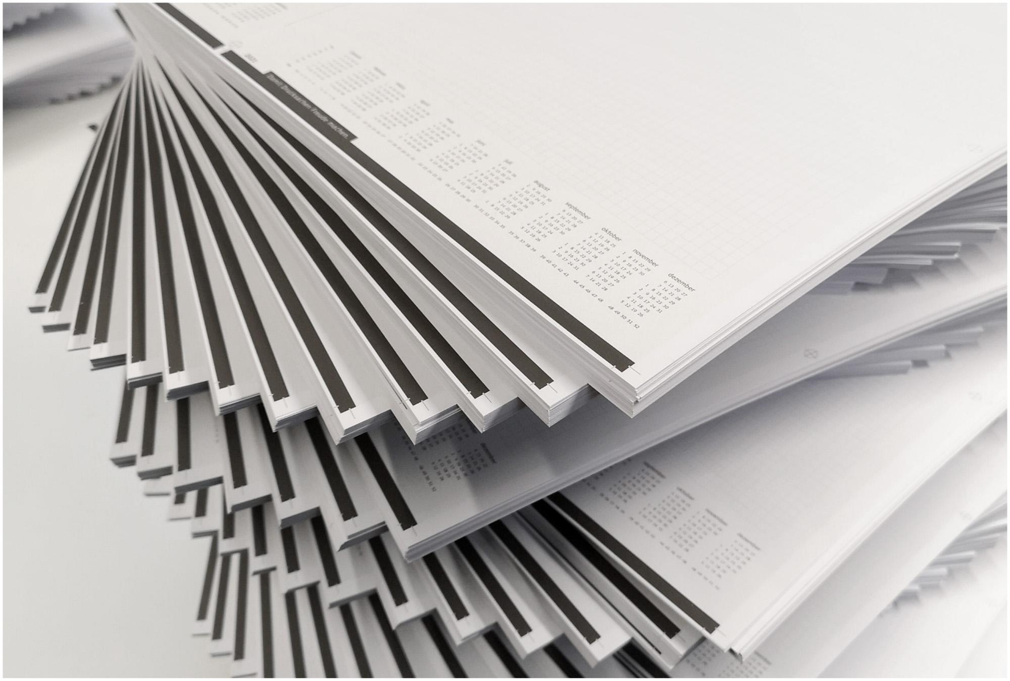 Schreibblocks zu 50 Blatt Abstechen